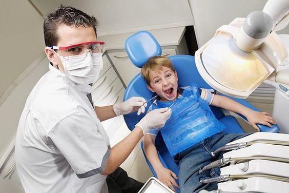 por qué se mueven los dientes de mi hijo
